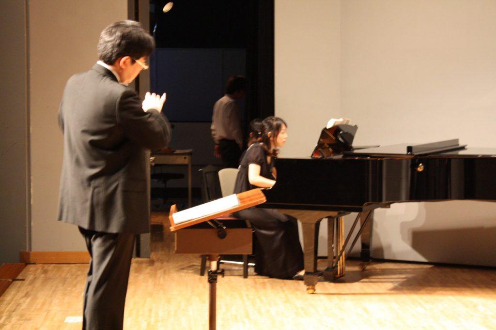 楽団カーニバル2001 混声合唱団 第6回定期演奏会